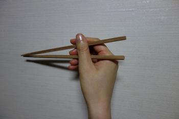 箸のマナー3