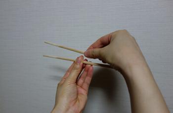 箸のマナー5